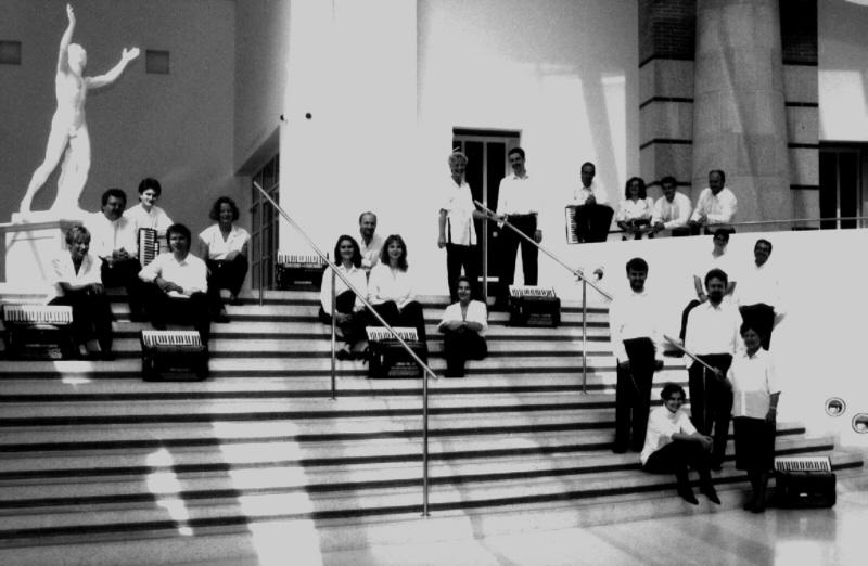 Pressefoto Nürnberger Akkordeonorchester 1995