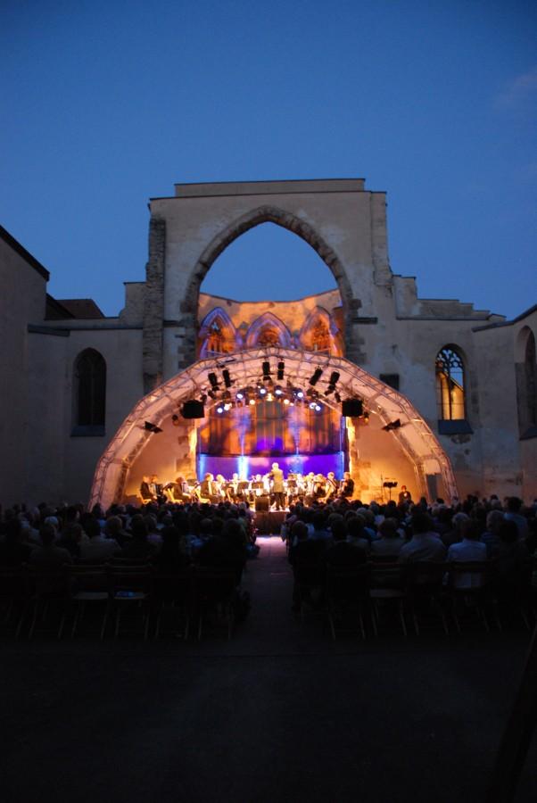 Illuminerte Katharinenruine 2 beim Knef-Konzert 2009